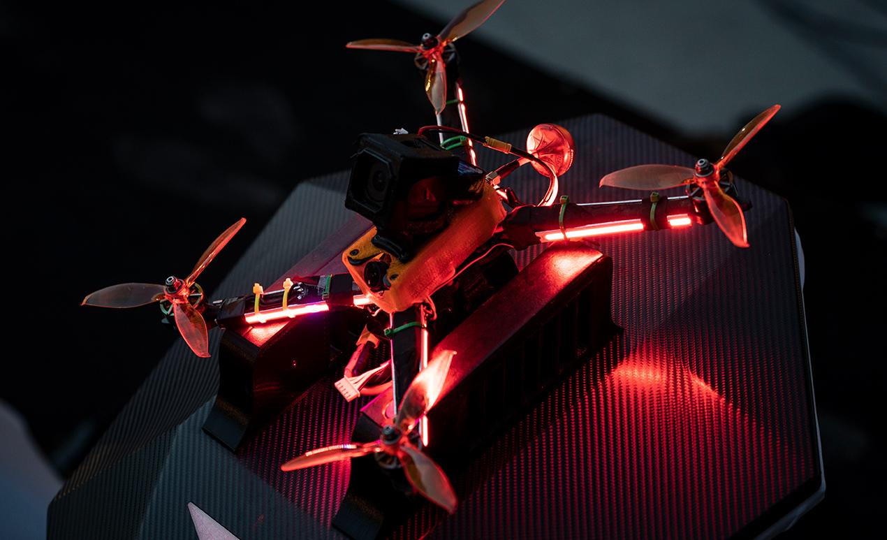 参赛的竞速无人机1.jpg