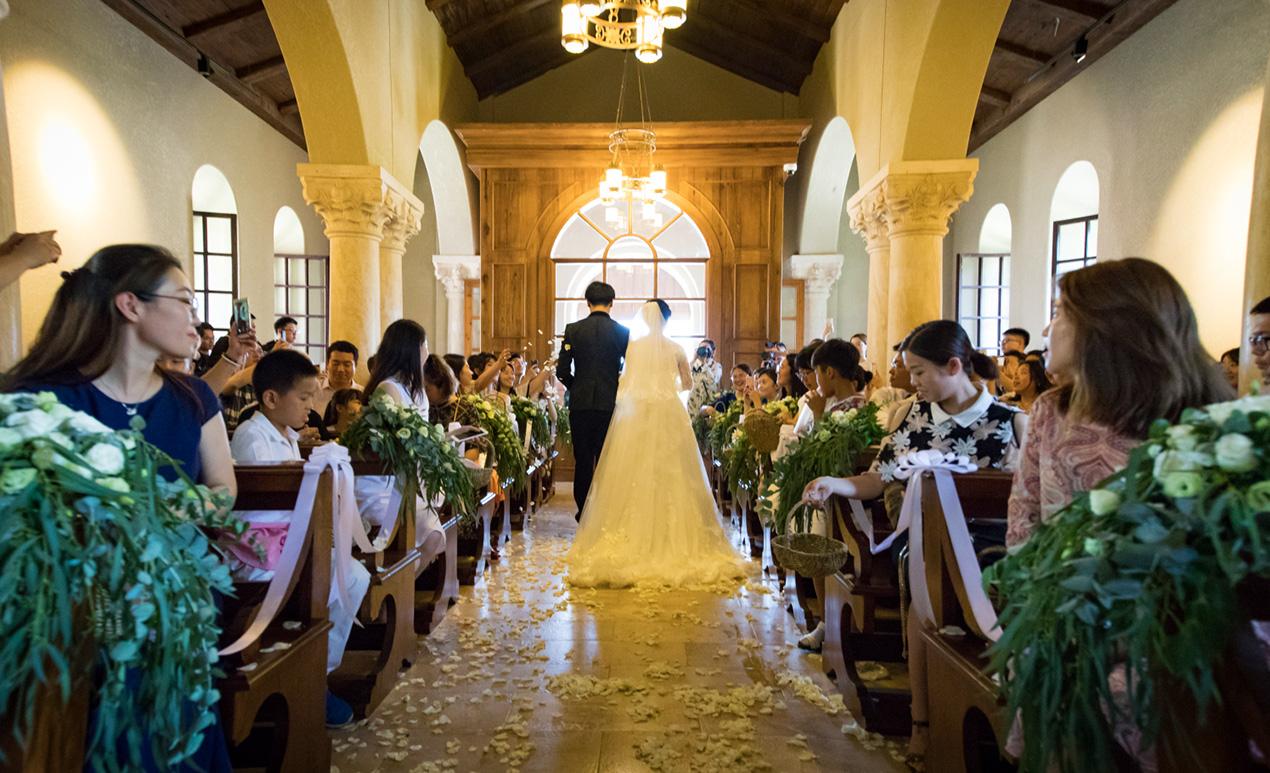 教堂仪式.png